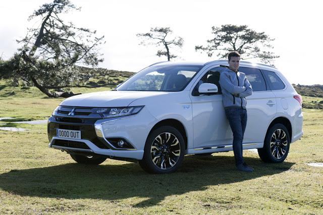 El triatleta Javier Gómez Noya presenta el nuevo Mitsubishi