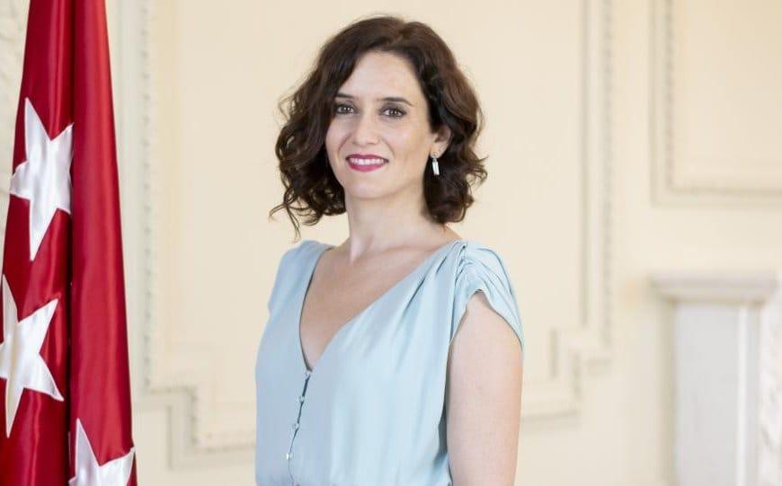 políticas guapas españolas: Isabel Díaz Ayuso